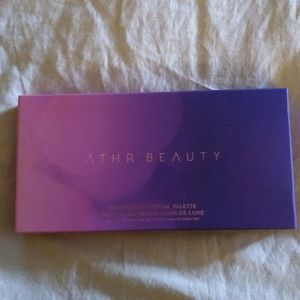 Athr Beauty moonlight crystal palette